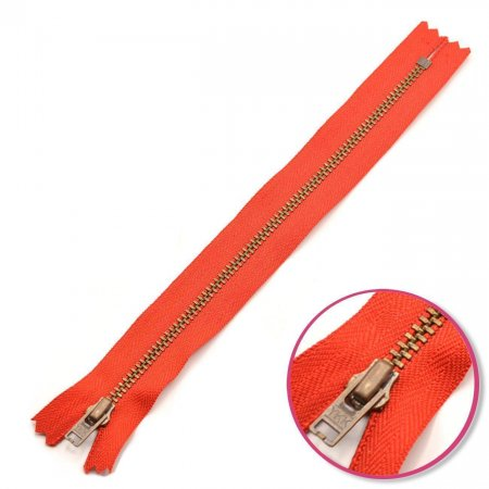 Zipper Light Red 18cm Non Seperable with Teeth Metalic Antique YKK (0643475-820)